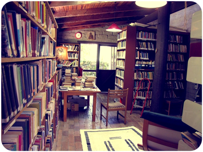Library (derived from Flickr (Friar's Balsam) http://flic.kr/p/82ipB5)